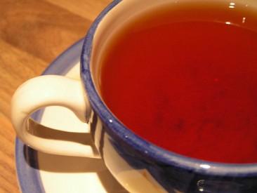 Tee mit Akabanga schmeckt gut
